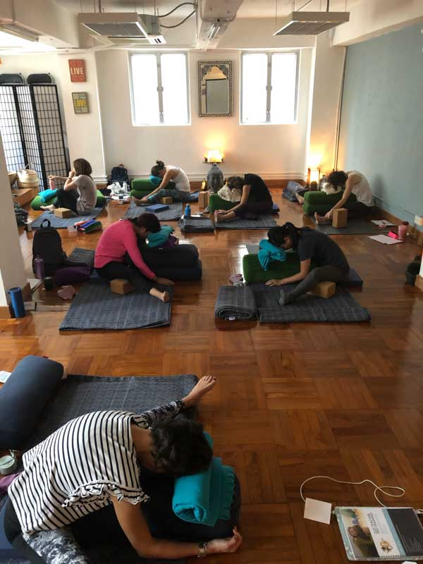 Restorative yoga with Gecko Yoga - The Gecko Yoga Academy Hong Kong (4 of 6)